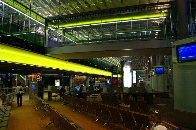 L'intérieur d'un des terminaux de l'aéroport CDG-Paris