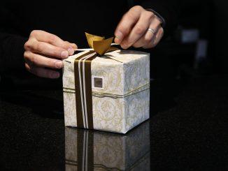 gift-402199_1280