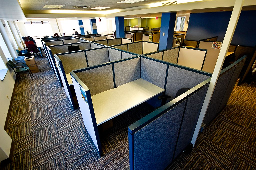 """Les fameux """"cubicles"""" américians ou l'open space poussé au maximum"""