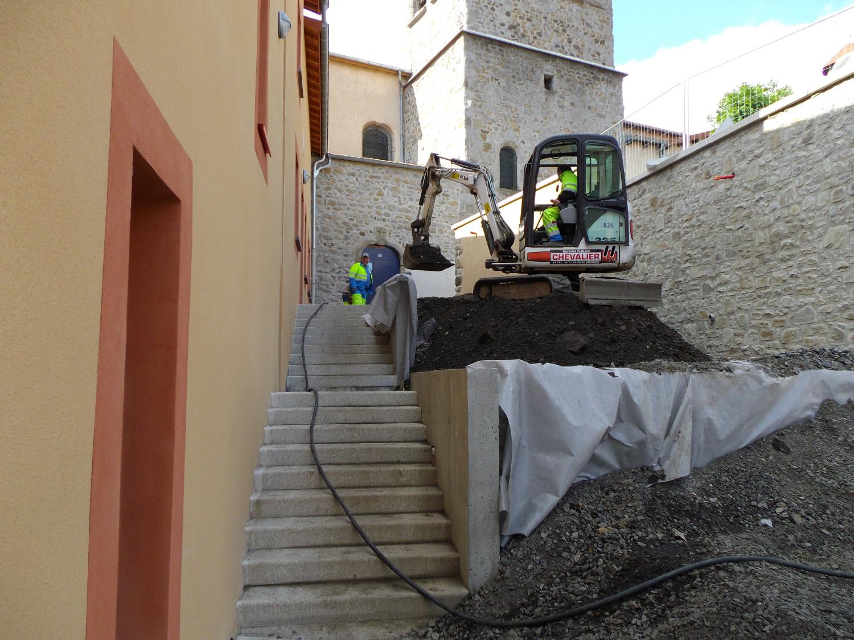 L'équipe de Chevalier Brioude sur un chantier en Haute-Loire
